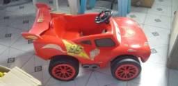 carro de pedal relâmpago macquem