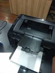 Impressora HP LaserJet P1102w Wifi Preta