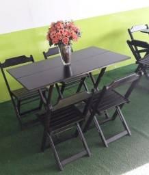 Jogos de Mesas e Cadeiras de Madeira