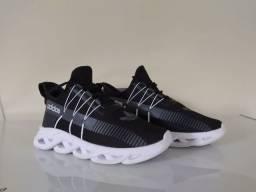 Tênis Adidas Yeezy Maverick n°41<br><br><br>