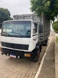 Caminhão Mercedes 1718