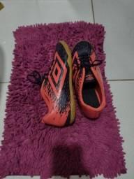 Chuteira Futsal Umbro Acid - Marinho tamanho 40