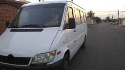Van Sprinter 313 CDI completa 16 lugares