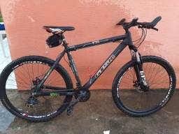 Bike GTS. Quadro 21. Aro 29.