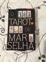 Tarô de Marselha (Estojo Livro+Baralho) Estojo C/ 78 cartas coloridas-Isis<br><br>