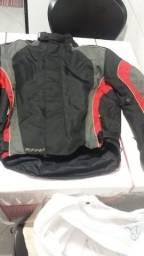 Jaqueta para motoqueiro conservada