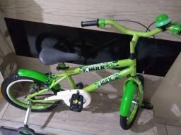 Bicicleta infantil aro 16 do Hulk linda