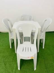 conjutos de 1 mesa e 4 cadeiras bistro preta e branca