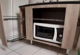 Cooktop, forno elétrico e armários (incluindo porta temperos)