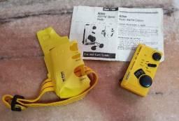 Micro Rádio Portátil Action Weatherized Modelo nº 7-1990 YLA Anos 80