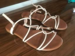 Sandália super conservada