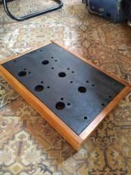 Pedalboard em madeira 50x40