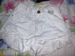 Shorts Branco Novo