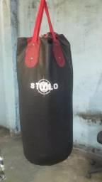 Saco de boxe + 2 pares de luvas