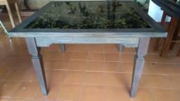 Mesa artesanal em madeira maciça