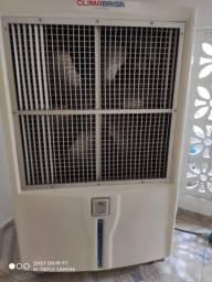 Vendo Climatizador Semi-novo R$ 9.500,00
