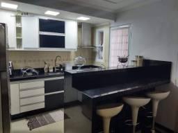 Linda casa com 2 quartos, ótimos acabamentos,- condomínio Villa Flora