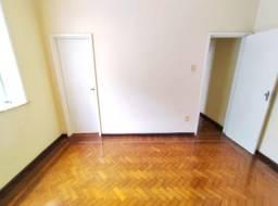 Apartamento - RIO COMPRIDO - R$ 1.400,00