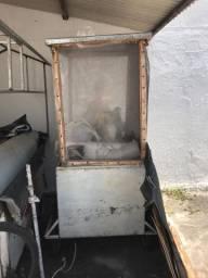 Vendo freezer e carrinho de pipoca