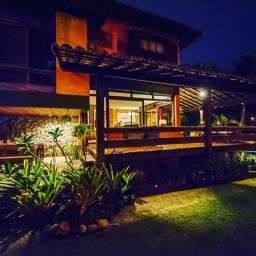 Casa para venda possui 400 metros quadrados com 5 quartos em Camboinhas - Niterói - RJ