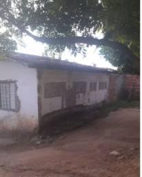 Vende-se uma Casa no Barro Duro na rua do Bananal