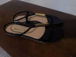 Vendo 2 sandálias rasteiras Menta & Hortelã  nunca usada