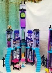 Monster High escola de luxo.