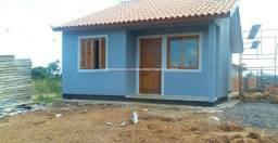 49913 Casa em Nova Santa Rita, 2 dormitórios, com pátio, vagas p/ carro