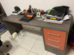 Mesa de escritório Todeschini