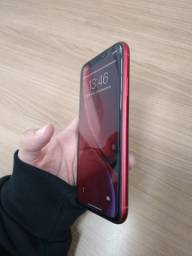 iPhone XR vermelho