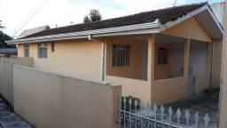 Casa de alvenaria no Capão Raso, com dois quartos direto com proprietário