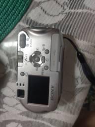 Lindíssima Câmera Digital Sony Cyber-shot 4.1 Megapixel