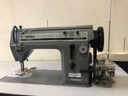 Máquina de costura reta e zig zag