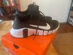 Tênis Nike Free Metcon 3 Masculino - Preto e Branco