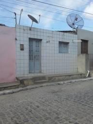 Vendo uma casa em Camocim de São Félix