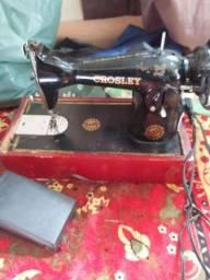 Maquina de costura pretinha