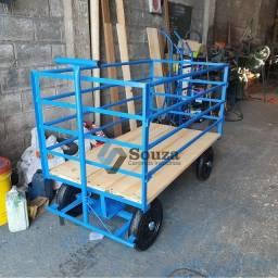 Carro plataforma 5° roda cercado em grades