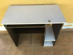 Mesa pra computador ?