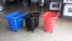 cesta para supermercado com rodinhas