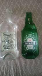 Duas Petisqueiras de garrafa de vidro Guanas e Heineken trabalho Artesanal e sustentável