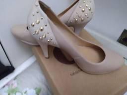 Sapato couro dateli 37 pequeno salto 9cm
