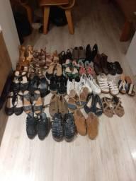Lote de sapatos, sandálias e botas