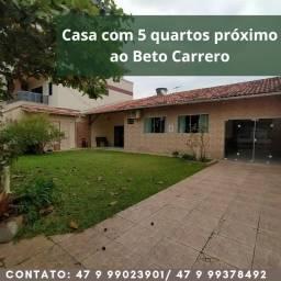 Alugo casa a 650 m da praia e 250m do Beto Carrero em Penha SC