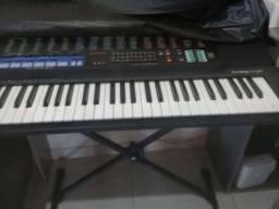 Vende-se teclado Cássio