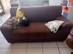 Troco sofá, em bom estado, por um sofá retrátil de dois lugares apenas