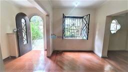 Casa comercial disponível para locação na Santa Cecília.