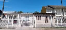 Terreno com 2 casas geminadas em área nobre de Cachoeirinha