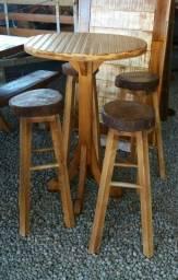 Conjunto mesa bistrô com 4 banquetas altas