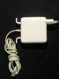 Carregador Apple original megasafe de 45w a 60w
