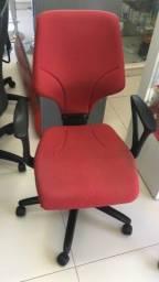Cadeira giroflex só 420,  parcelamos em até 6x